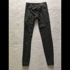 Lululemon size 8 green speed up tights